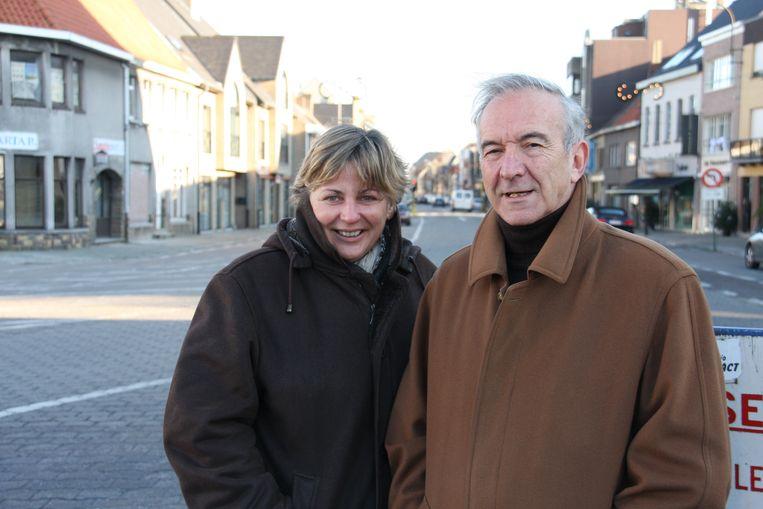 Een foto uit december 2008 toen Ann Coopman het overnam van Ghislain Lippens als burgemeester van Waarschoot.