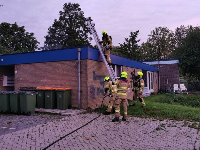 De brandweer is opgeroepen voor een brand in een wooncomplex aan de Industrieweg in Wageningen.