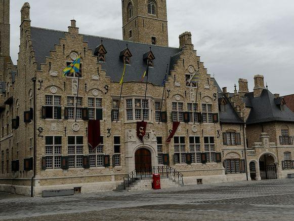 De Sint logeert in het stadhuis op de Grote Markt.