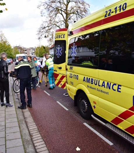 Fietser gewond na aanrijding met brommer in Eindhoven; brommerrijder gevlucht