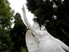 Raad wil onderzoek naar aula bij begraafplaats in Bennekom