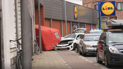 Moeder en haar twee dochtertjes van voetpad gemaaid in Sint-Niklaas, één kind (5) overleden