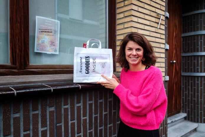 Annelies is samen met haar vriendinnen gestart met de verkoop van aperobags om de vzw Den Toren te ondersteunen.