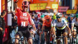 Matthews wint tweede rit in Catalonië, Froome valt en De Gendt blijft leider