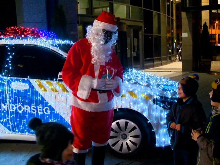 Ho-Ho-Hongaarse politie pakt wagen in met kerstlichtjes