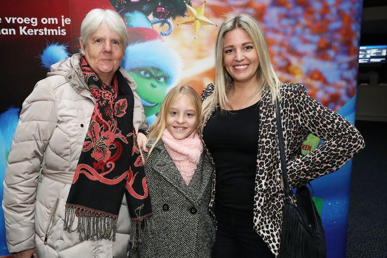 Eveline Hoste met metekindje Lila en Evelines mama Annie