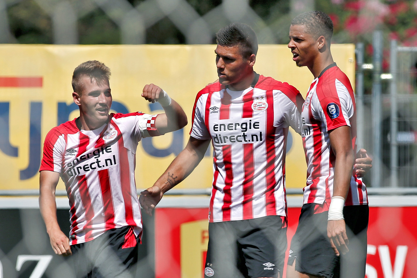 Michal Sadílek, Joël Piroe en Justin Lonwijk, talenten van Jong PSV.