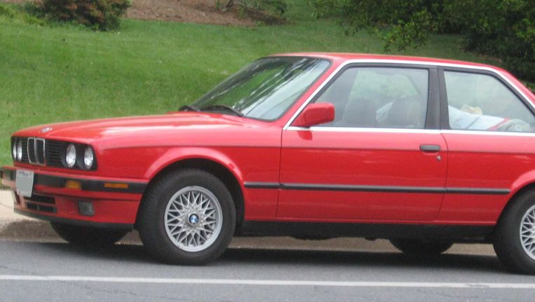 De BMW E30. Beeld null