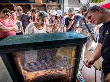Honderden belangstellenden nemen een kijkje tijdens open dag bij imkerij in Welberg