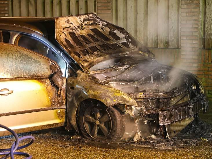 Auto volledig uitgebrand in Heesch