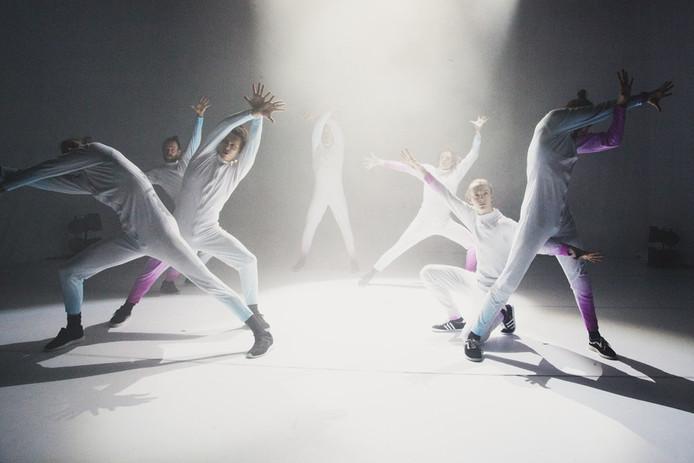 De dansgroep 155 (eenvijfvijf) is een van de deelnemers aan het Festival 39Graden.