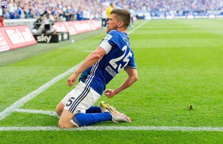 Klaas-Jan Huntelaar in actie voor Schalke 04 Beeld null