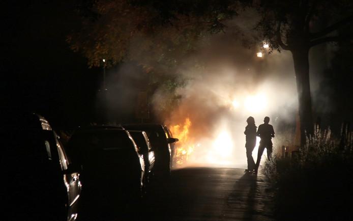 De brand bij de auto.