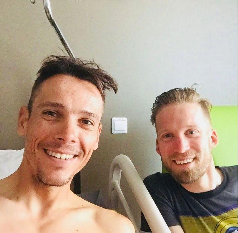 Gilbert krijgt bezoek van Bakelants in ziekenhuis.