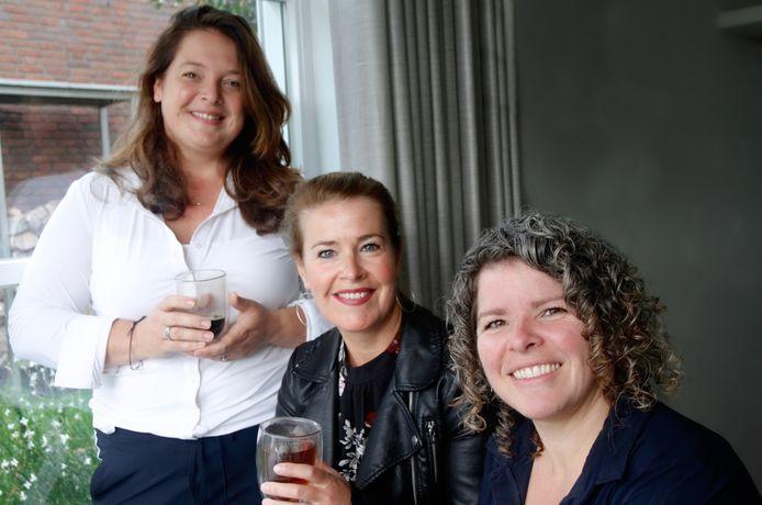 De drie moeders achter Houvast Uitvaartzorg (vlnr) Lotte de Wind Mireille Elshof en Gertie van der Linden.