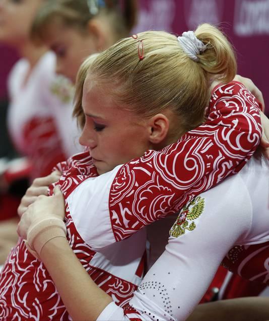 Een witte scrunchie voor de Russische Kseniia Afanaseva