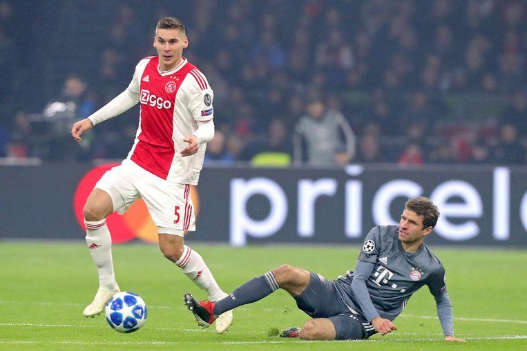 Wöber tijdens het Champions League-duel met Bayern München. Beeld Pro Shots
