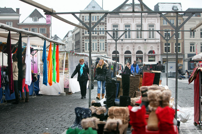 De warenmarkt op woensdag in Den Bosch.