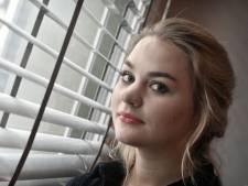 Floor van Liemt uit Delden kreeg op haar 20ste kanker: 'In mijn ziekte ben ik eenzaam'