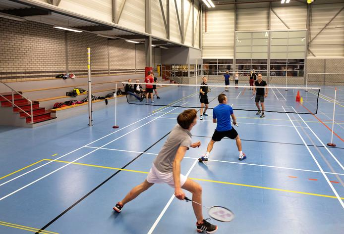 Badmintonclub Rapid Reusel denkt niet dat de gemeente iets gaat doen aan de hoge zaalhuur.