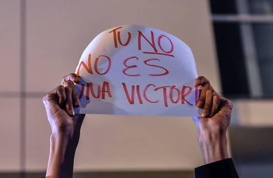 'Jouw Nee is geen overwinning', staat op dit bord.