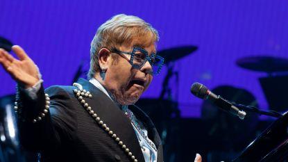 Fans van Elton John boos: artiest zegt concert pas na aanvangstijd af