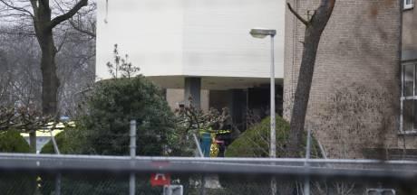Twee personen naar ziekenhuis na 'chemische lucht' uit azc Overloon