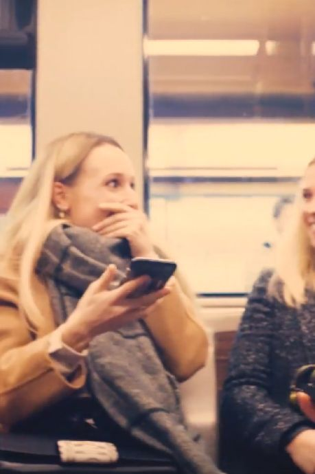 Une demande en mariage magique dans le métro bruxellois