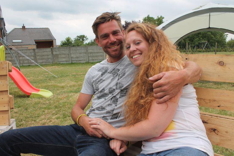 Pieter vroeg Jessica op een originele manier ten huwelijk tijdens de passage van de Tour de France.
