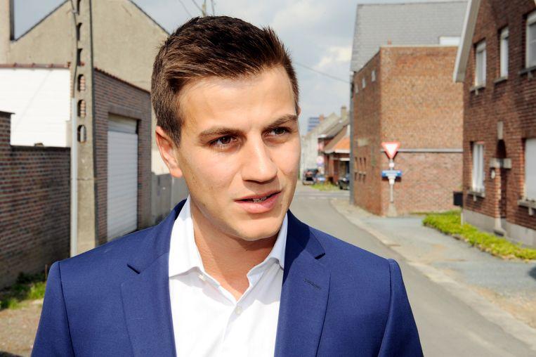 37da8198701d4e Gerecht voert huiszoeking uit bij Dries Van Langenhove van Schild ...