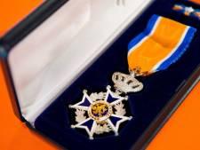 Koninklijke eer voor koorvoorzitter Theo Wolters in Terborg