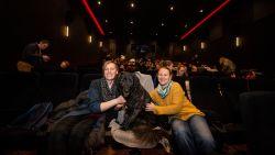 """VIDEO. Honden genieten van filmavond in De Studio: """"Hond Mila is tien geworden en dit is haar cadeau"""""""