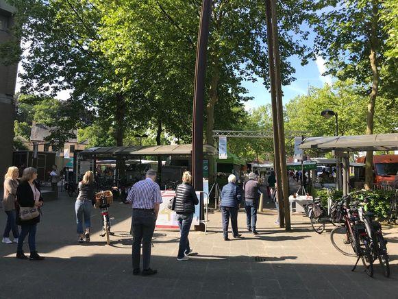 De wekelijkse markt vond weer plaats in Brasschaat. Vlaams Belang voerde er actie onder leiding van parlementslid Ellen Samyn.
