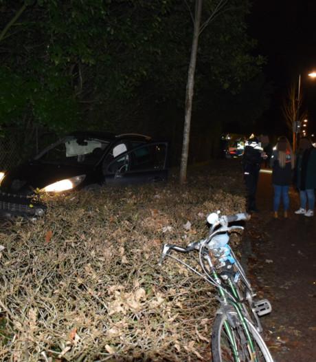 Duitser opgepakt die in politieauto stapt na ongeluk: 'Ik wil blowen!'