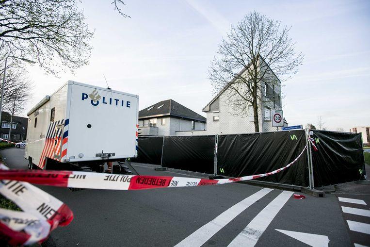 Sporenonderzoek in en rond het huis aan de Limburgsingel in de Arnhemse wijk De Laar-Oost.