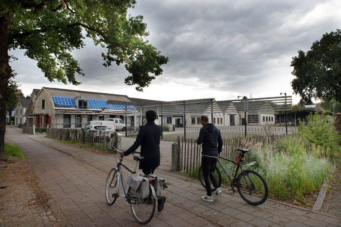 Op dit terrein van een voormalig caravancentrum in Leersum kan volgens de VVD al snel gebouwd worden.