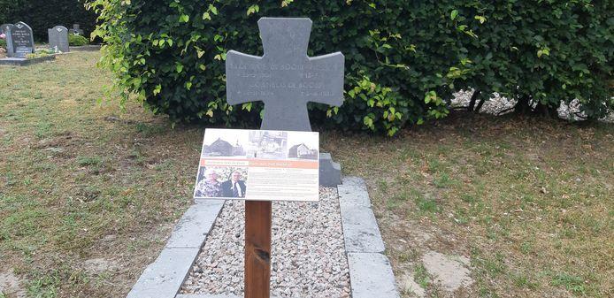Plaquette bij een graf, zo moet de historische route er uit gaan zien.