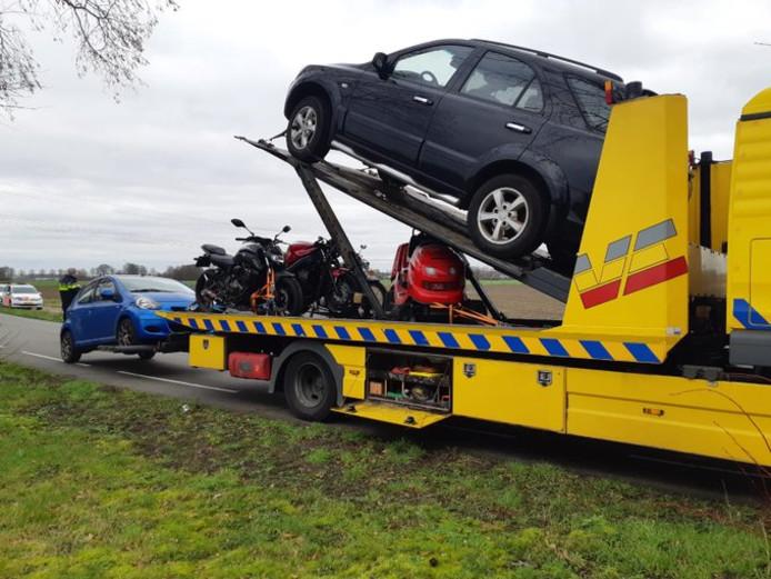 Een deel van de afgepakte voertuigen in Prinsenbeek.