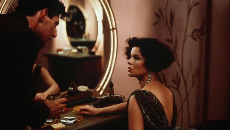 Marcia Gay Harden en Gabriel Byrne in Miller's Crossing. Beeld