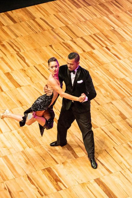 Vlaardingse danst in finales WK Tango: 'Ik kan hier alleen maar van genieten'