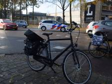 Fietser gewond door aanrijding met auto op John F. Kennedylaan in Doetinchem