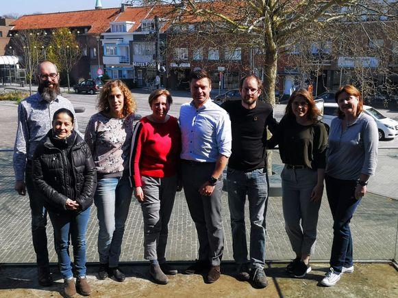 Wim De Geest (Edegem), Karlien Gorissen (VVSG), Helga Schepers (Cimic), Koen Metsu (Edegem), Thomas Peeters (Herent), Marit Baelus (Brasschaat), Leen Van Lindt (Levuur) en Mariana Lara Palacios (Herent).
