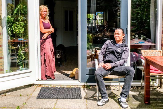 Boy (46) en Wanda (52) Hardeman, eigenaren van café De Kleine Beurs.