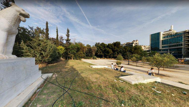 Het Viktoriaplein in Athene. Beeld Fotis Tsidris / Google Street View