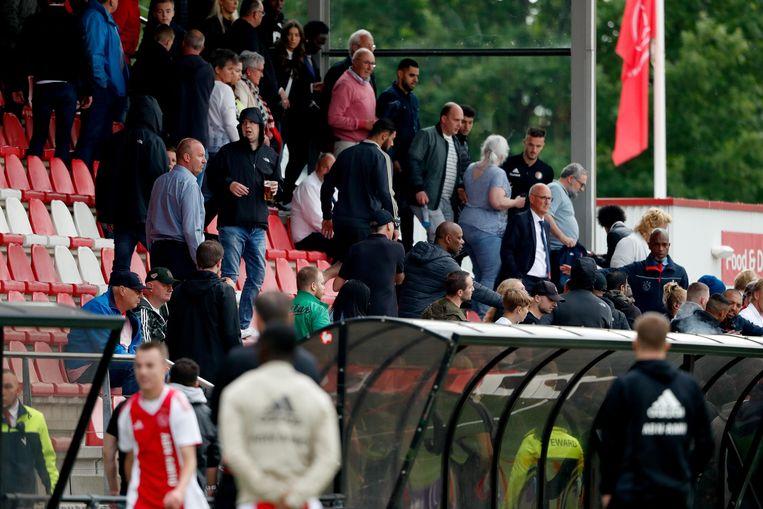Kopzorgen voor Ajax na ongeregeldheden op De Toekomst