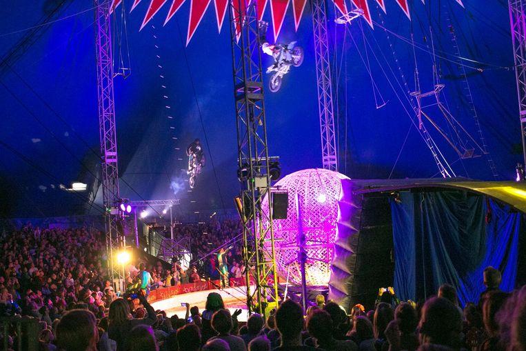 'Sint in de Piste' is een mix van een Sinterklaasshow en klassiek circus.