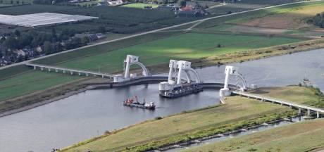 Sluis Doesburg beperkt open door lage waterstand: Rijn bij Lobith 7,55 meter