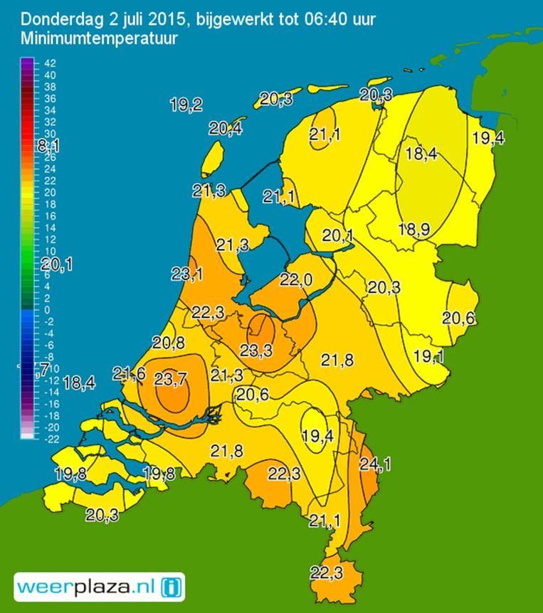 De weerkaart van afgelopen nacht Beeld Weerplaza
