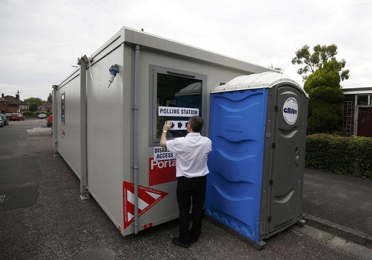 Dit stembureau in Stockport is er klaar voor. Beeld reuters