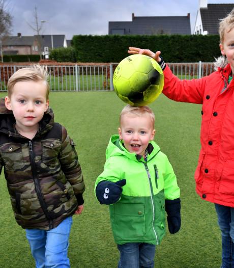Olivers wens komt uit: voor alle drie de broers een NEC-tenue